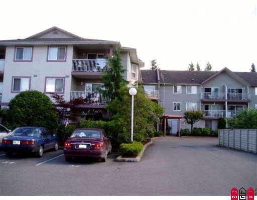 Condo Apartment at 211 45222 WATSON ROAD, Unit 211, Sardis, British Columbia. Image 2