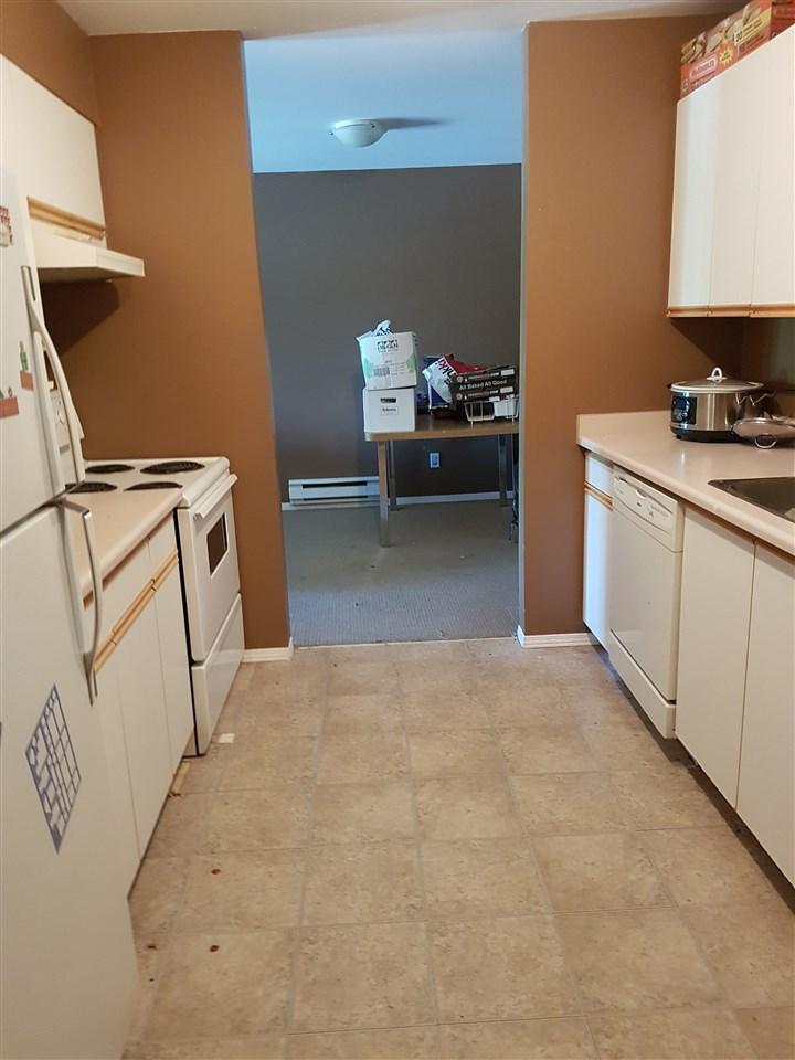 Condo Apartment at 211 45222 WATSON ROAD, Unit 211, Sardis, British Columbia. Image 3