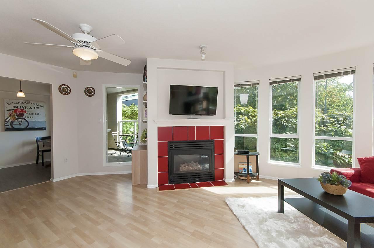Condo Apartment at 208 789 W 16TH AVENUE, Unit 208, Vancouver West, British Columbia. Image 3