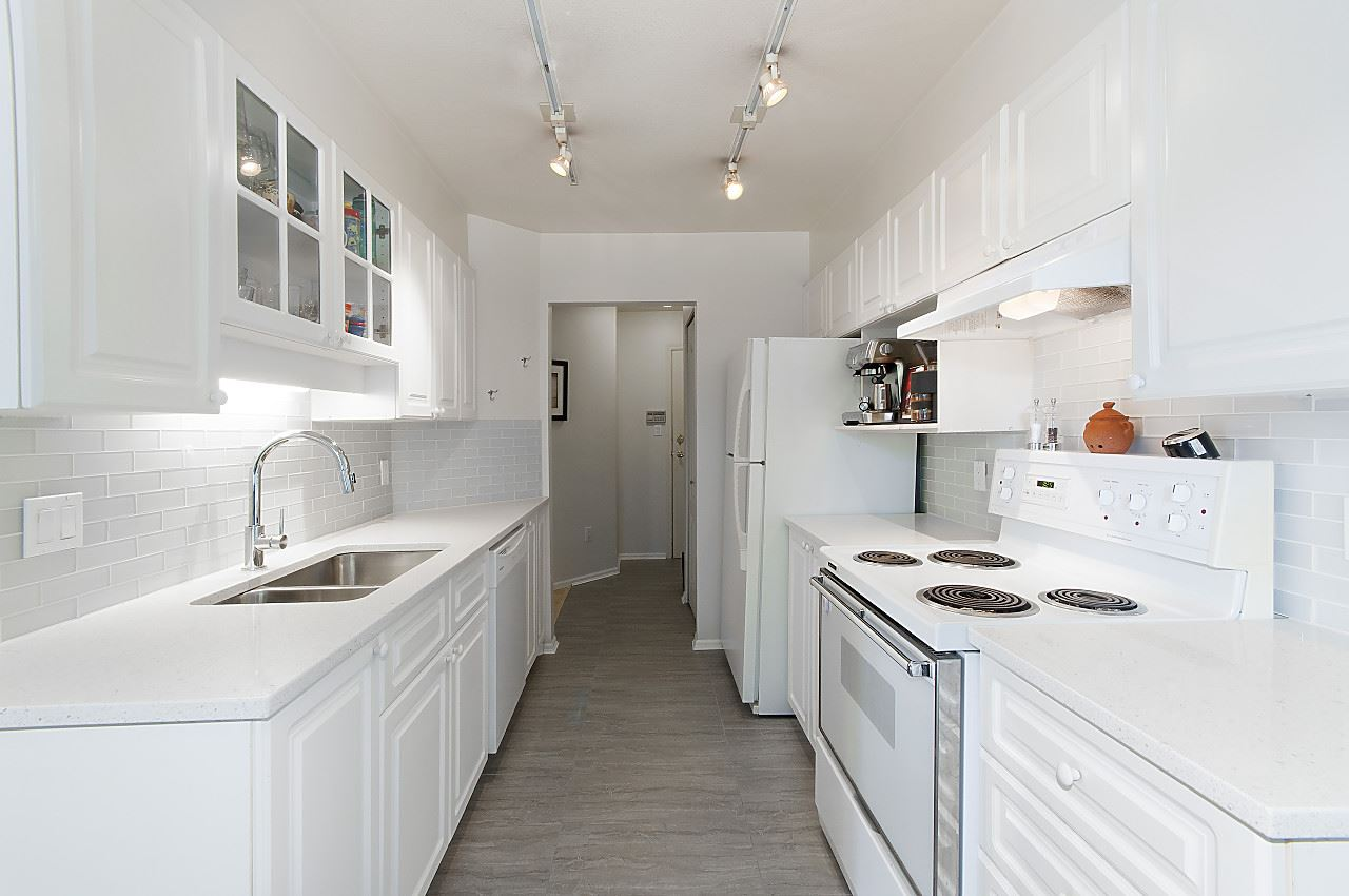 Condo Apartment at 208 789 W 16TH AVENUE, Unit 208, Vancouver West, British Columbia. Image 5