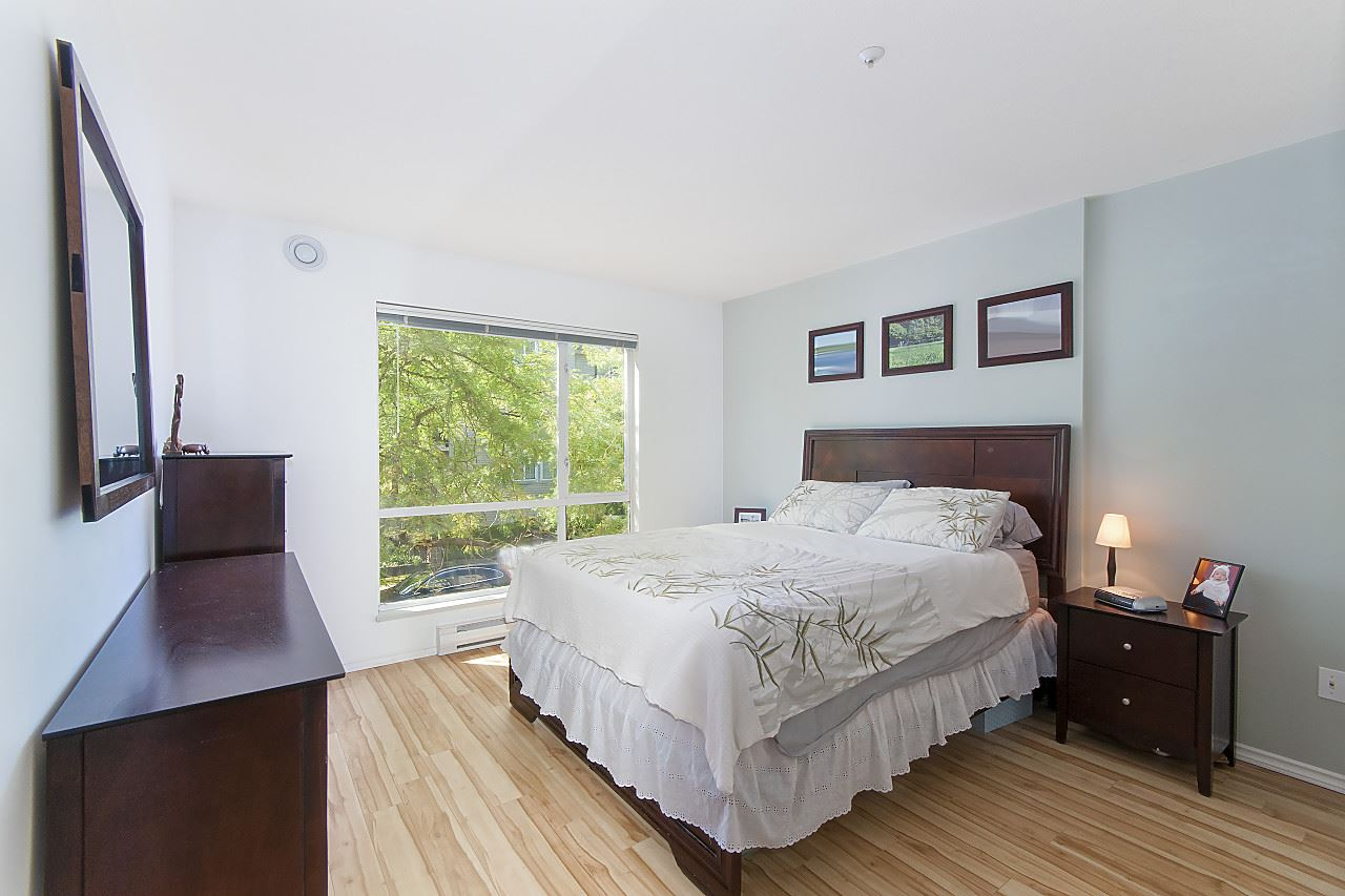 Condo Apartment at 208 789 W 16TH AVENUE, Unit 208, Vancouver West, British Columbia. Image 9