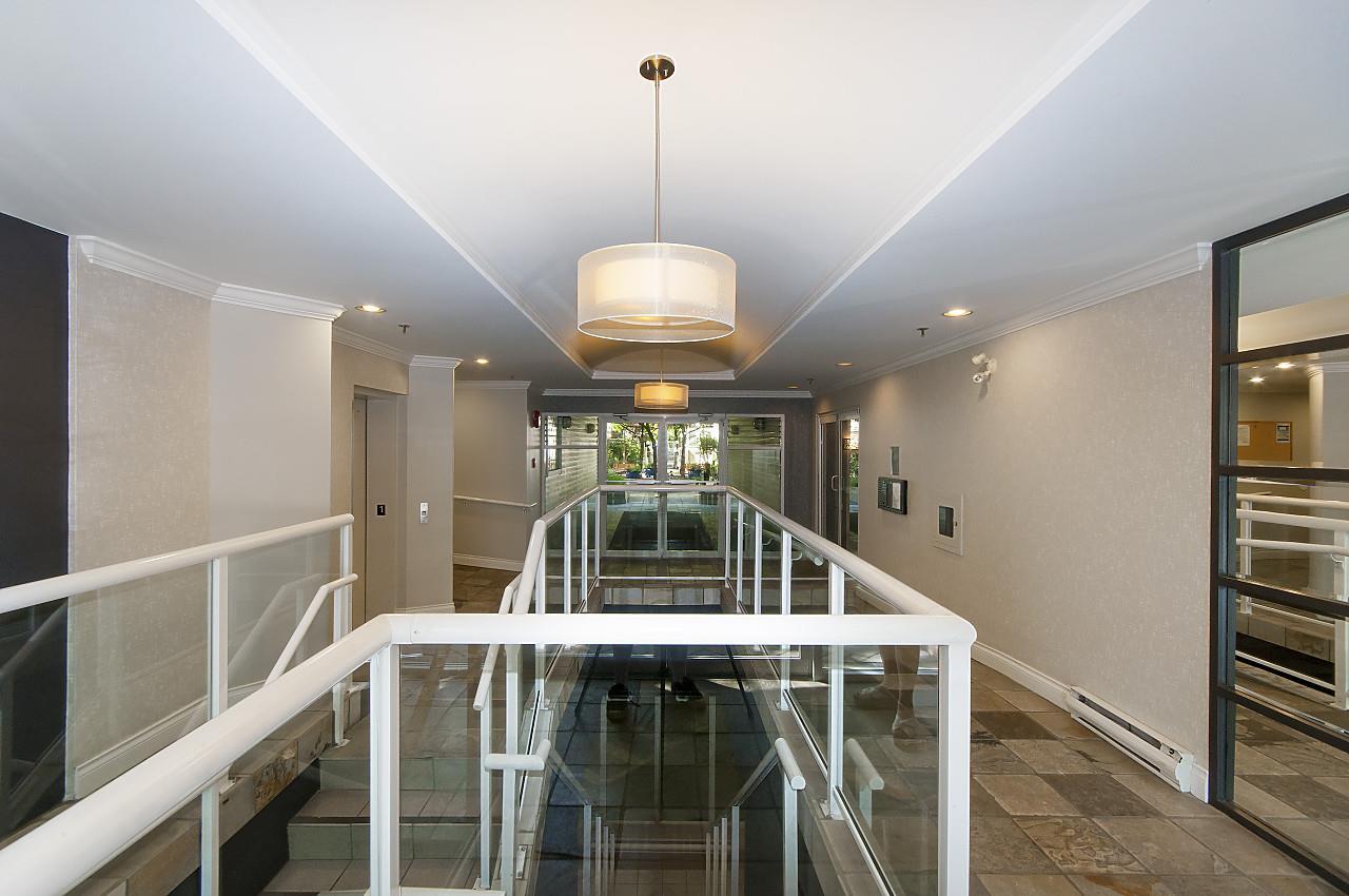 Condo Apartment at 208 789 W 16TH AVENUE, Unit 208, Vancouver West, British Columbia. Image 16