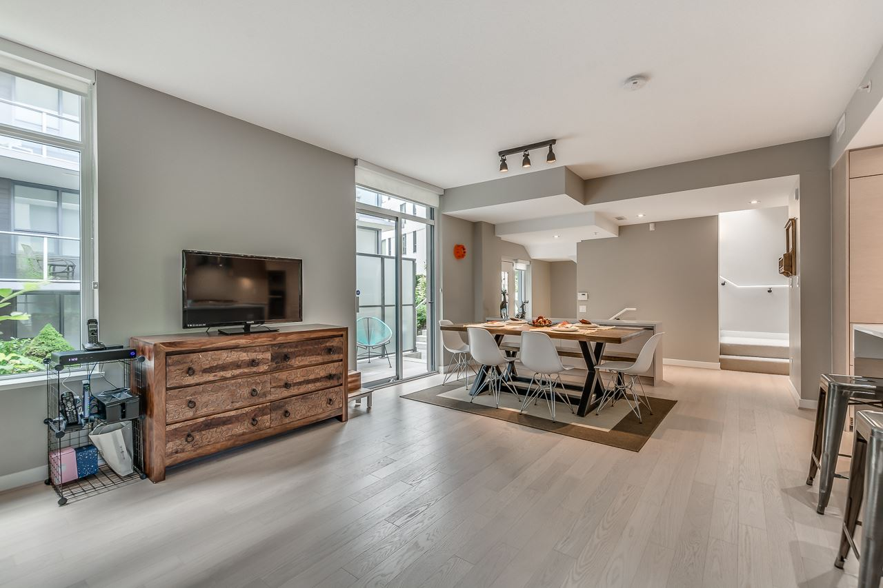 Townhouse at 4527 CAMBIE STREET, Vancouver West, British Columbia. Image 5