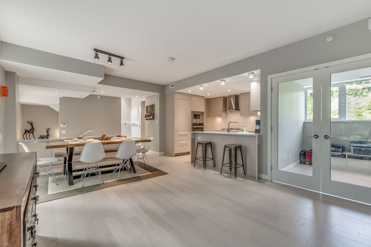 Townhouse at 4527 CAMBIE STREET, Vancouver West, British Columbia. Image 6