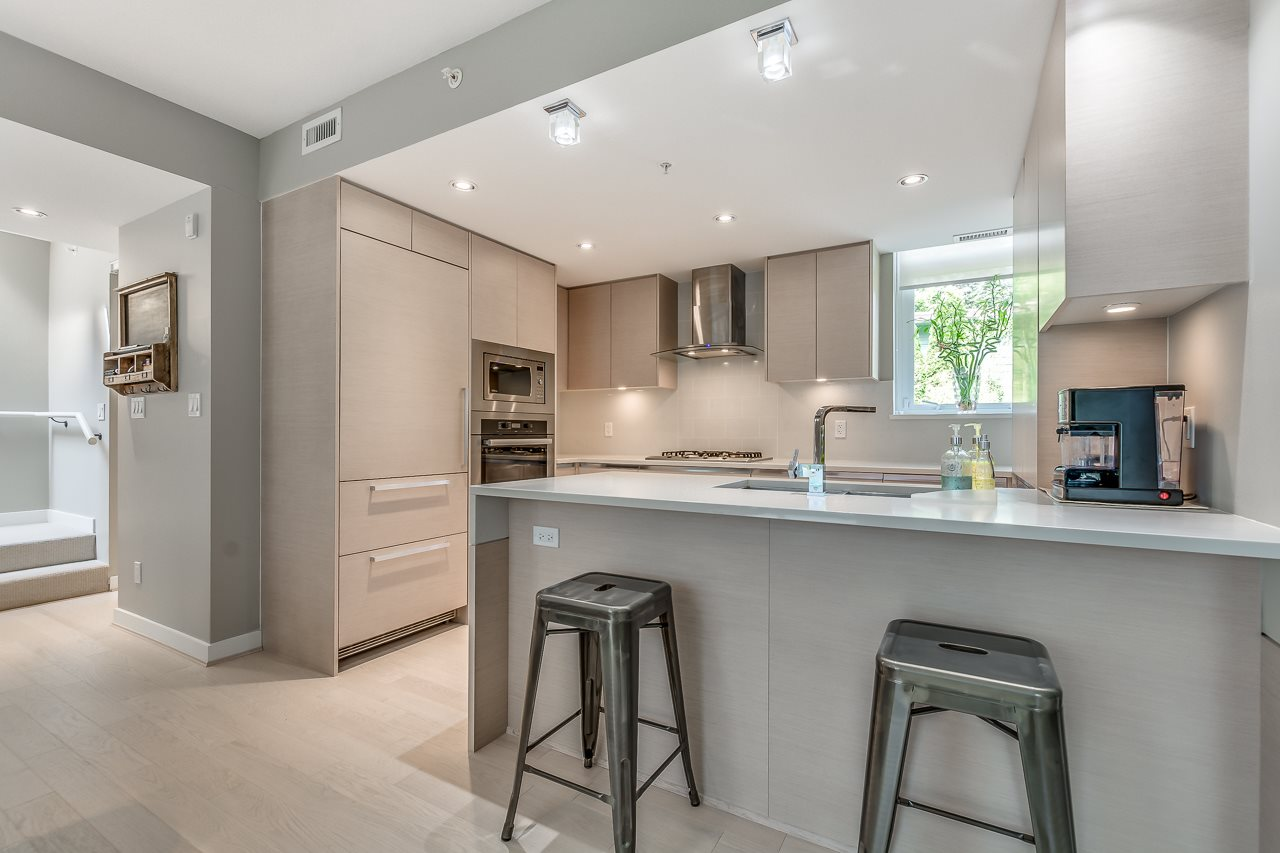 Townhouse at 4527 CAMBIE STREET, Vancouver West, British Columbia. Image 7