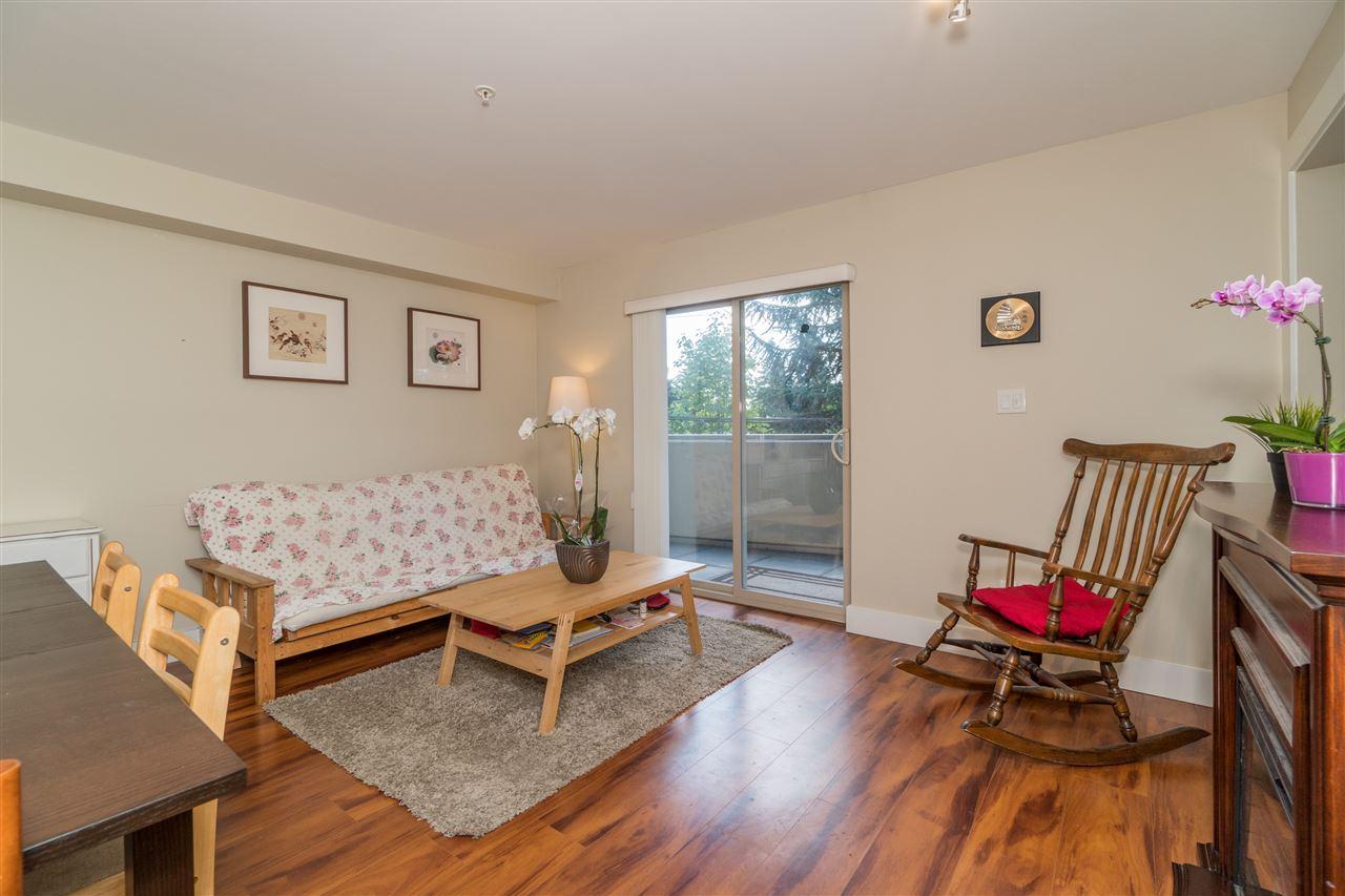 Condo Apartment at 206 2138 OLD DOLLARTON ROAD, Unit 206, North Vancouver, British Columbia. Image 4