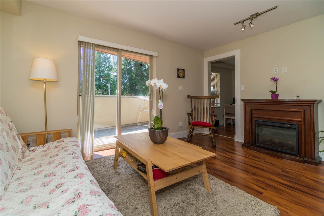 Condo Apartment at 206 2138 OLD DOLLARTON ROAD, Unit 206, North Vancouver, British Columbia. Image 6