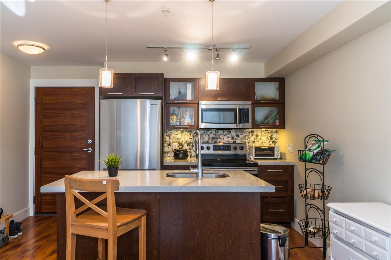 Condo Apartment at 206 2138 OLD DOLLARTON ROAD, Unit 206, North Vancouver, British Columbia. Image 8