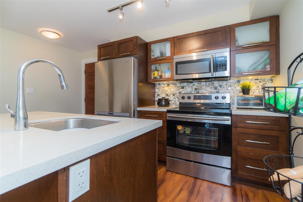 Condo Apartment at 206 2138 OLD DOLLARTON ROAD, Unit 206, North Vancouver, British Columbia. Image 9