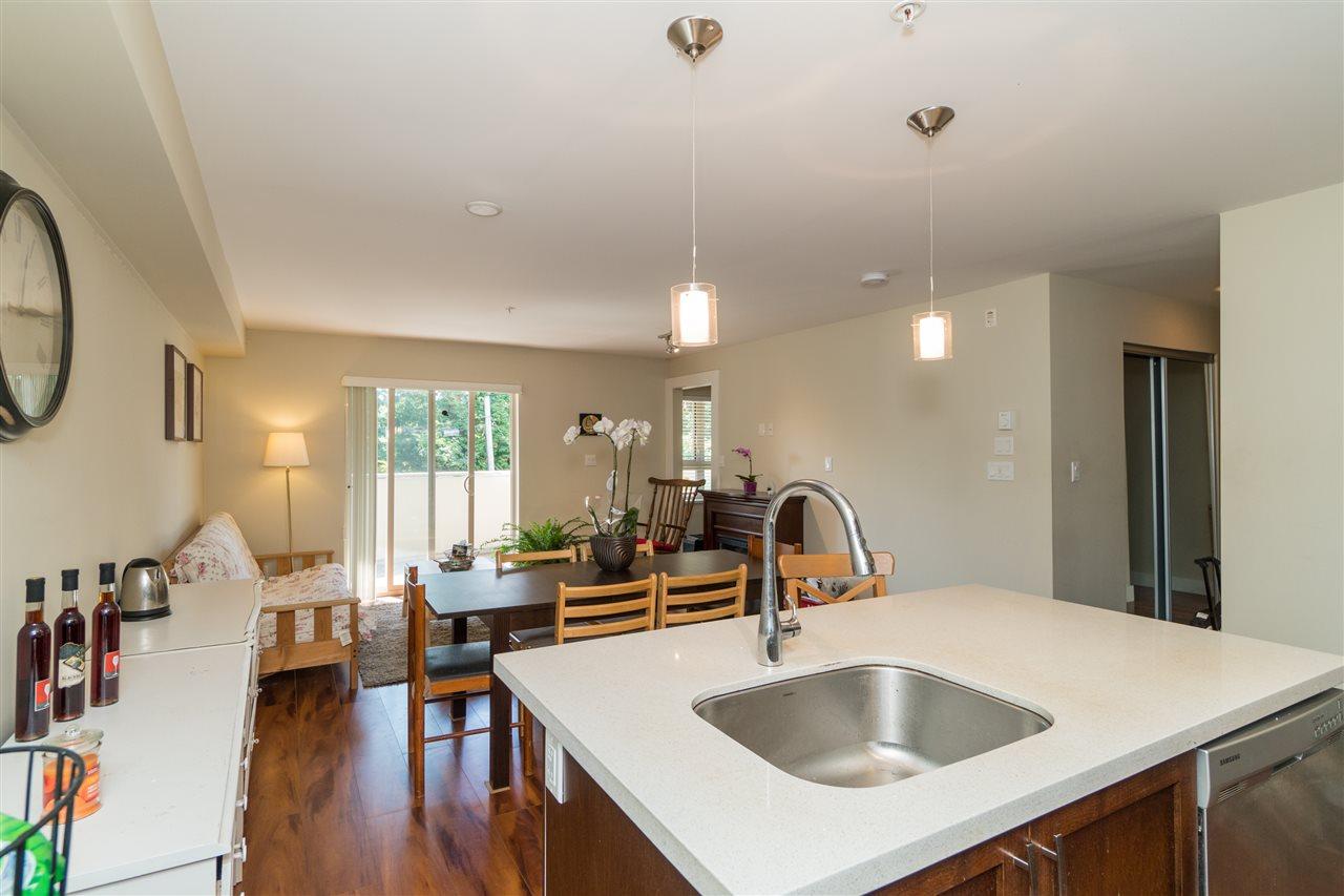 Condo Apartment at 206 2138 OLD DOLLARTON ROAD, Unit 206, North Vancouver, British Columbia. Image 11