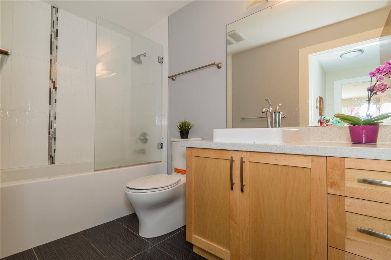 Condo Apartment at 206 2138 OLD DOLLARTON ROAD, Unit 206, North Vancouver, British Columbia. Image 14
