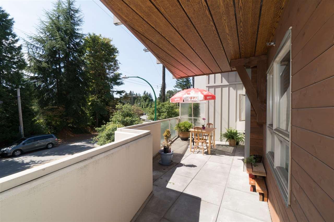 Condo Apartment at 206 2138 OLD DOLLARTON ROAD, Unit 206, North Vancouver, British Columbia. Image 18
