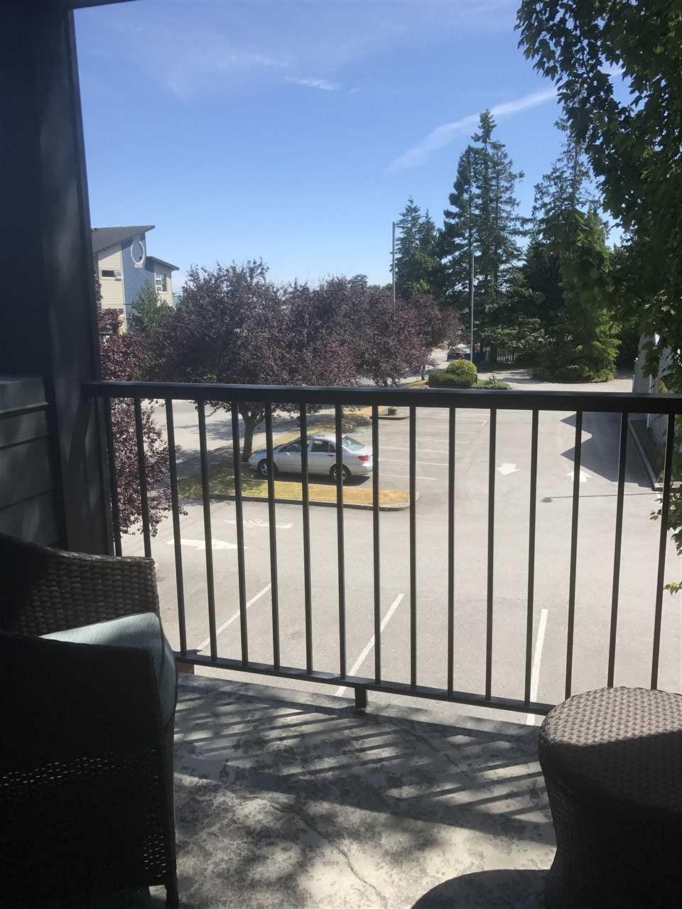 Condo Apartment at 201 5631 INLET AVENUE, Unit 201, Sunshine Coast, British Columbia. Image 3