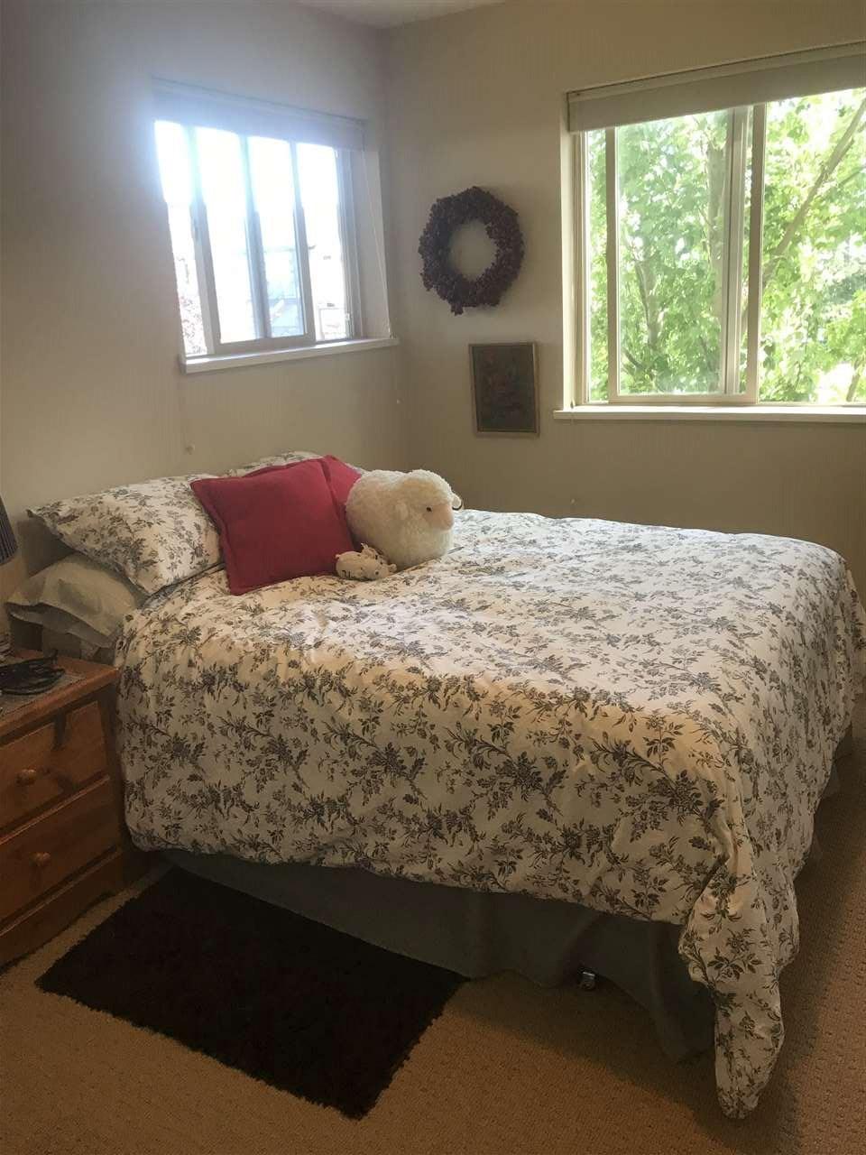 Condo Apartment at 201 5631 INLET AVENUE, Unit 201, Sunshine Coast, British Columbia. Image 5