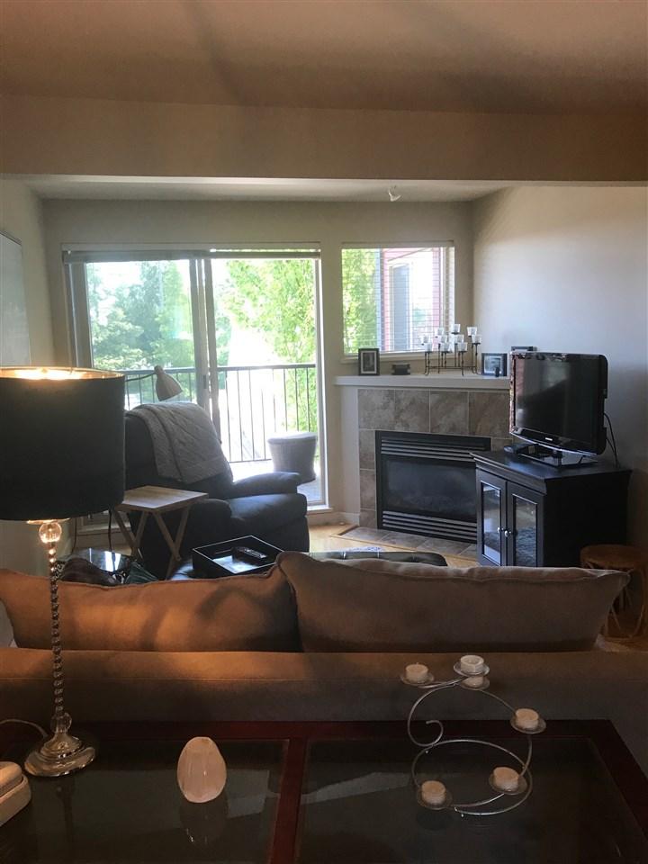 Condo Apartment at 201 5631 INLET AVENUE, Unit 201, Sunshine Coast, British Columbia. Image 6