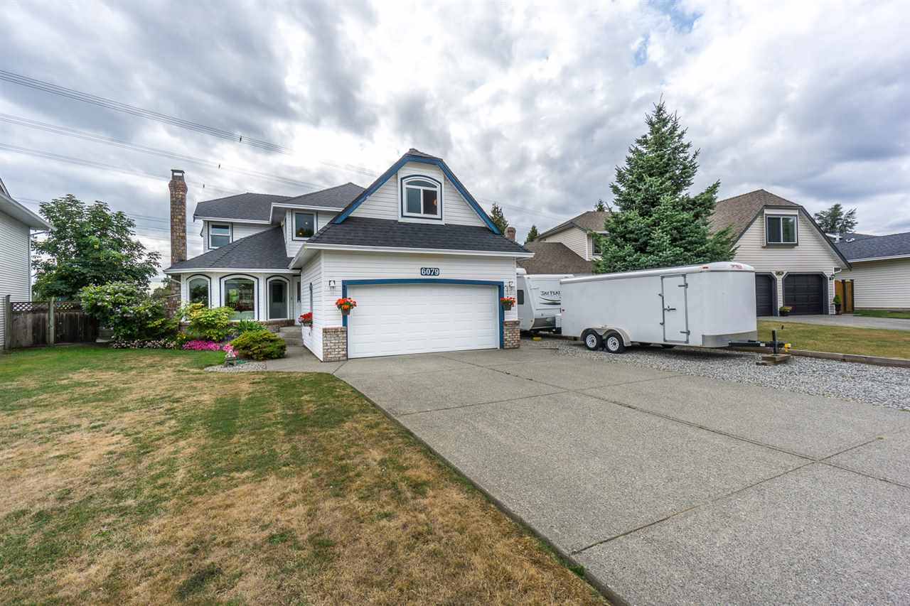 Detached at 6079 184A STREET, Cloverdale, British Columbia. Image 3