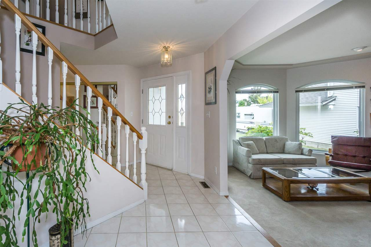 Detached at 6079 184A STREET, Cloverdale, British Columbia. Image 5