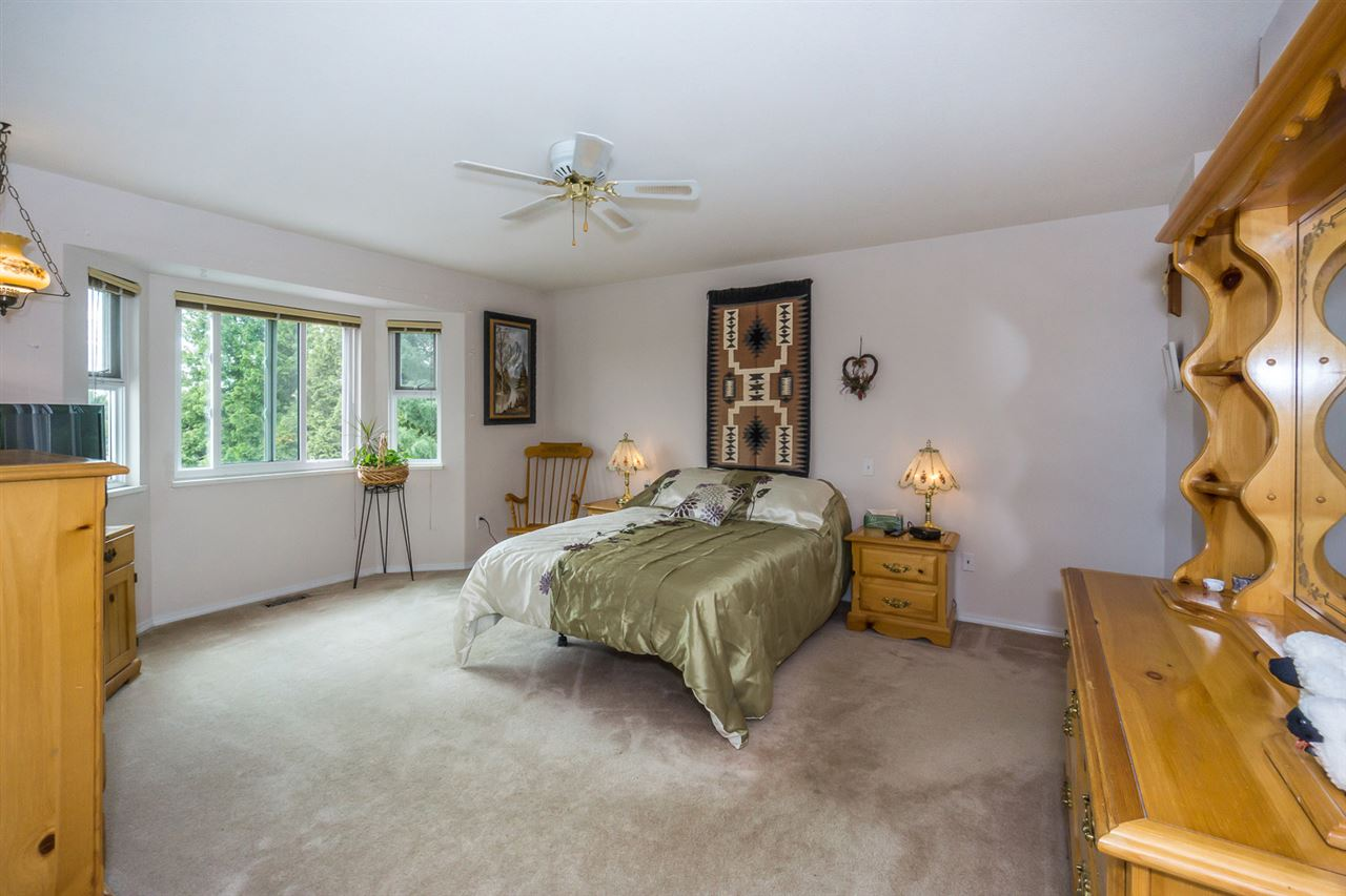 Detached at 6079 184A STREET, Cloverdale, British Columbia. Image 15