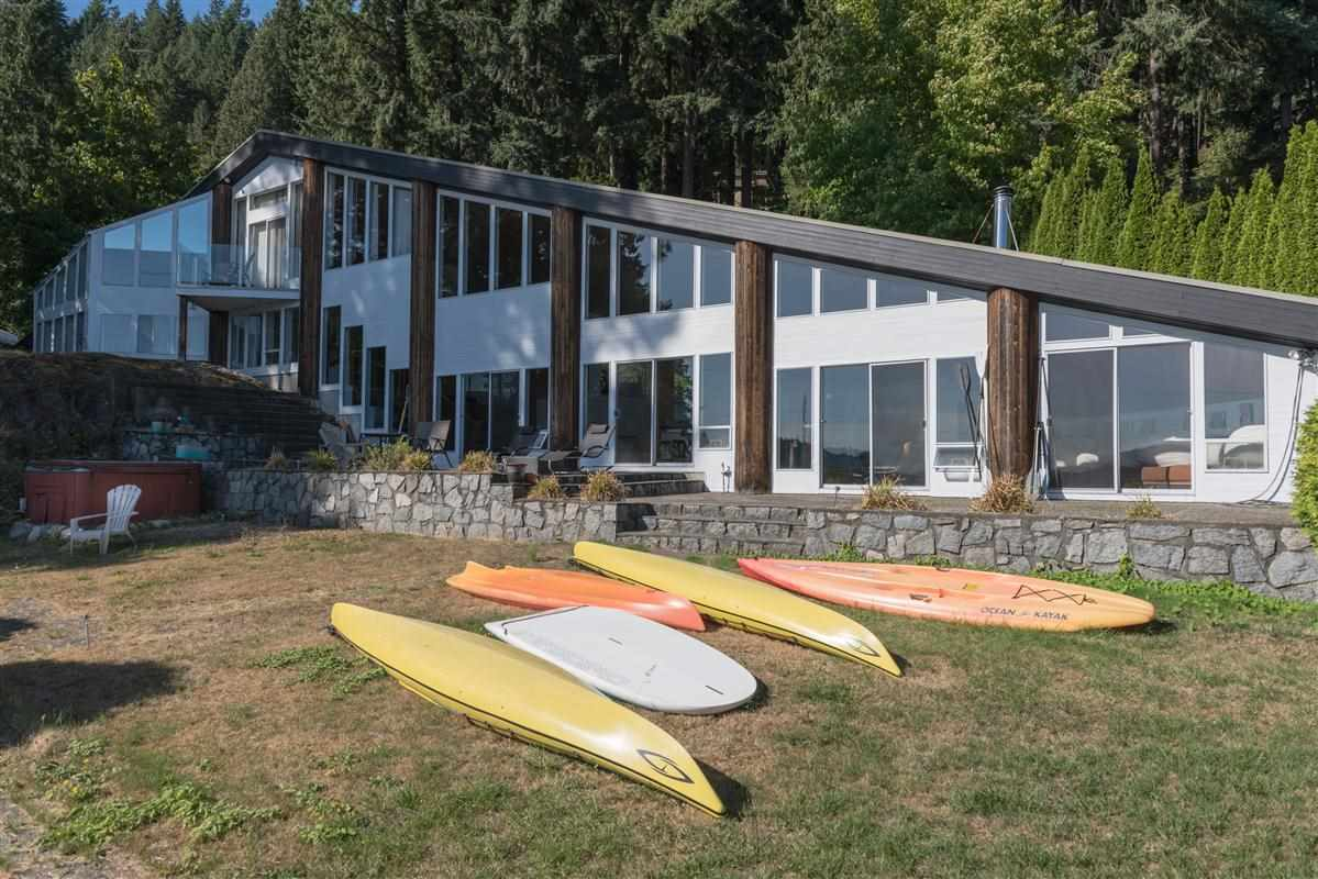 Detached at 5606 INDIAN RIVER DRIVE, North Vancouver, British Columbia. Image 2