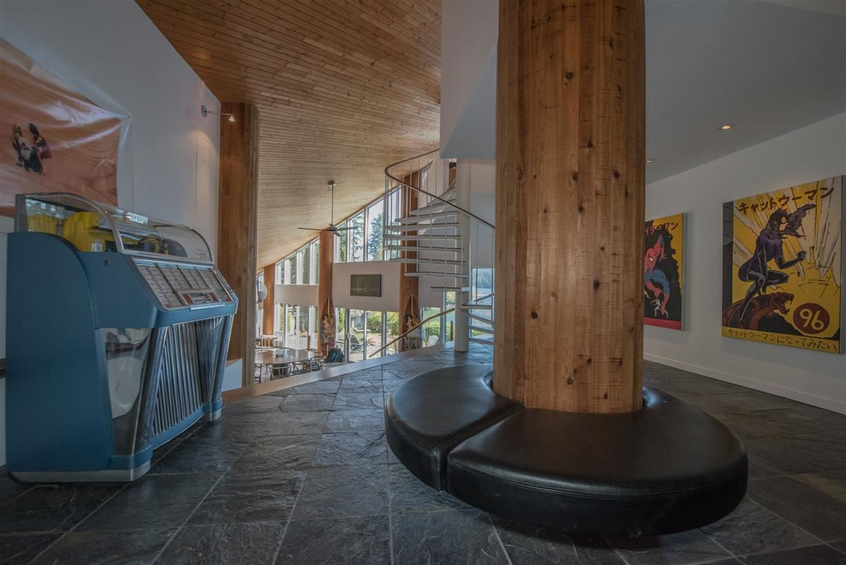 Detached at 5606 INDIAN RIVER DRIVE, North Vancouver, British Columbia. Image 3