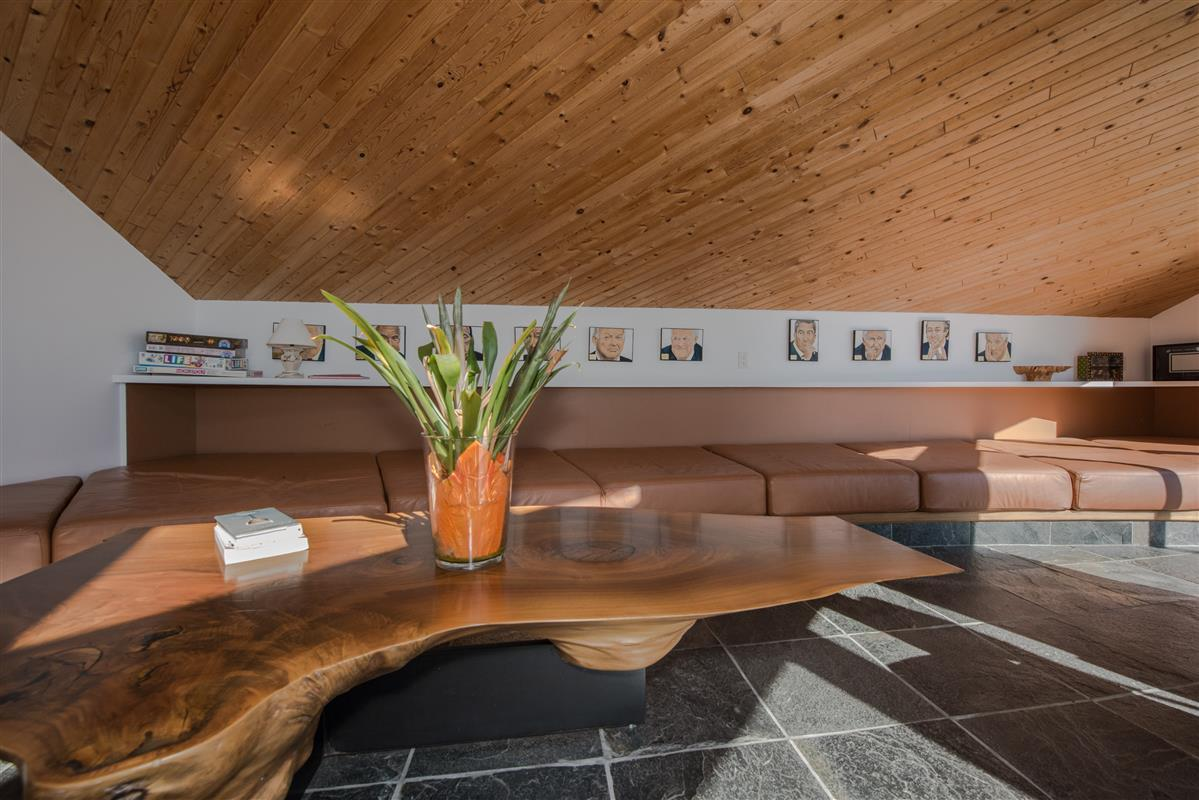 Detached at 5606 INDIAN RIVER DRIVE, North Vancouver, British Columbia. Image 5