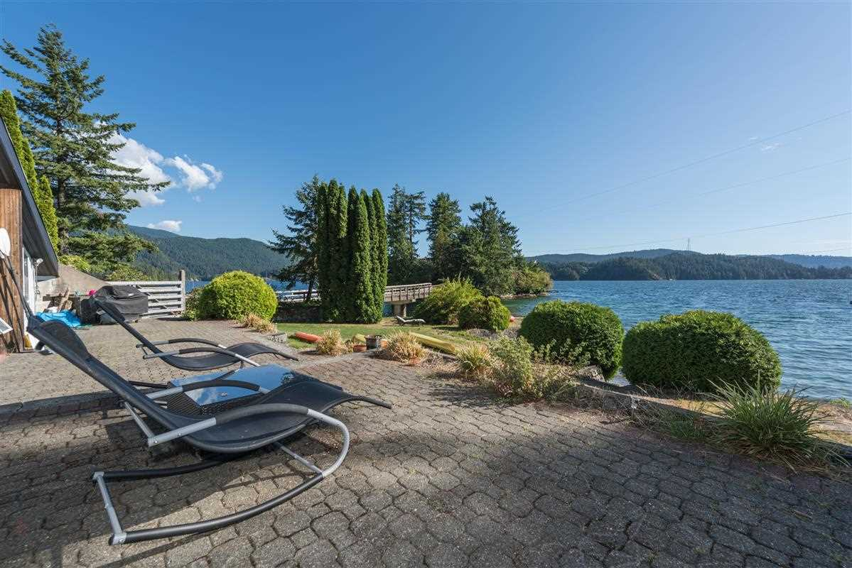 Detached at 5606 INDIAN RIVER DRIVE, North Vancouver, British Columbia. Image 12