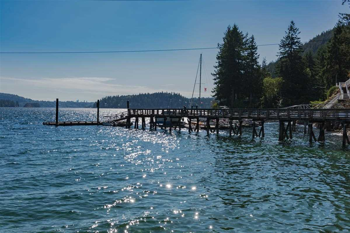 Detached at 5606 INDIAN RIVER DRIVE, North Vancouver, British Columbia. Image 13
