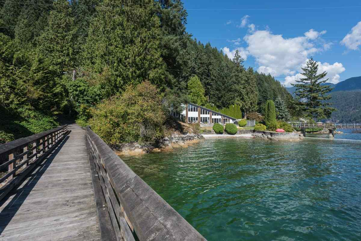 Detached at 5606 INDIAN RIVER DRIVE, North Vancouver, British Columbia. Image 15