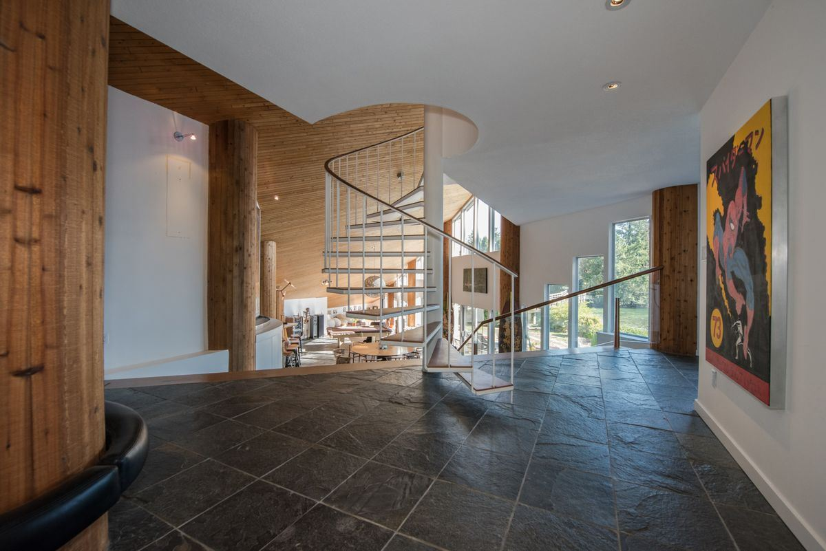 Detached at 5606 INDIAN RIVER DRIVE, North Vancouver, British Columbia. Image 19