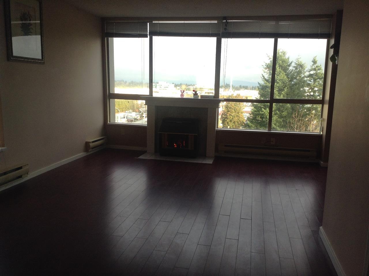 Condo Apartment at 702 14881 103A AVENUE, Unit 702, North Surrey, British Columbia. Image 4