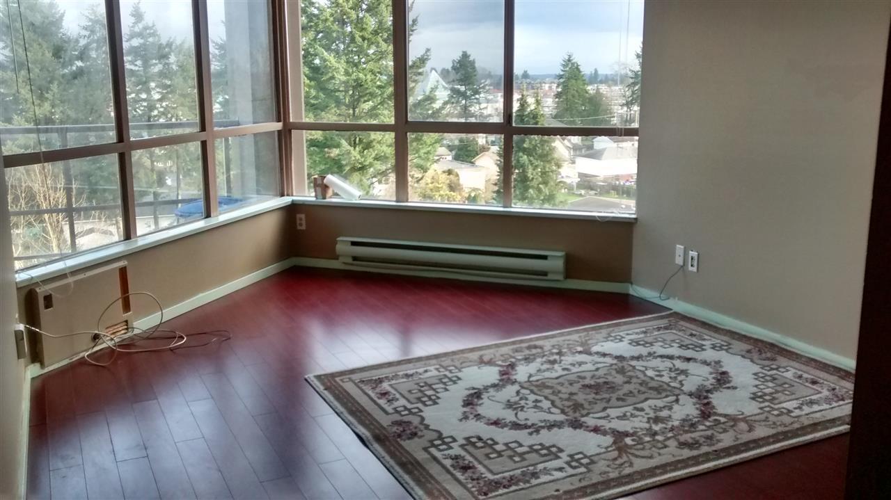 Condo Apartment at 702 14881 103A AVENUE, Unit 702, North Surrey, British Columbia. Image 7