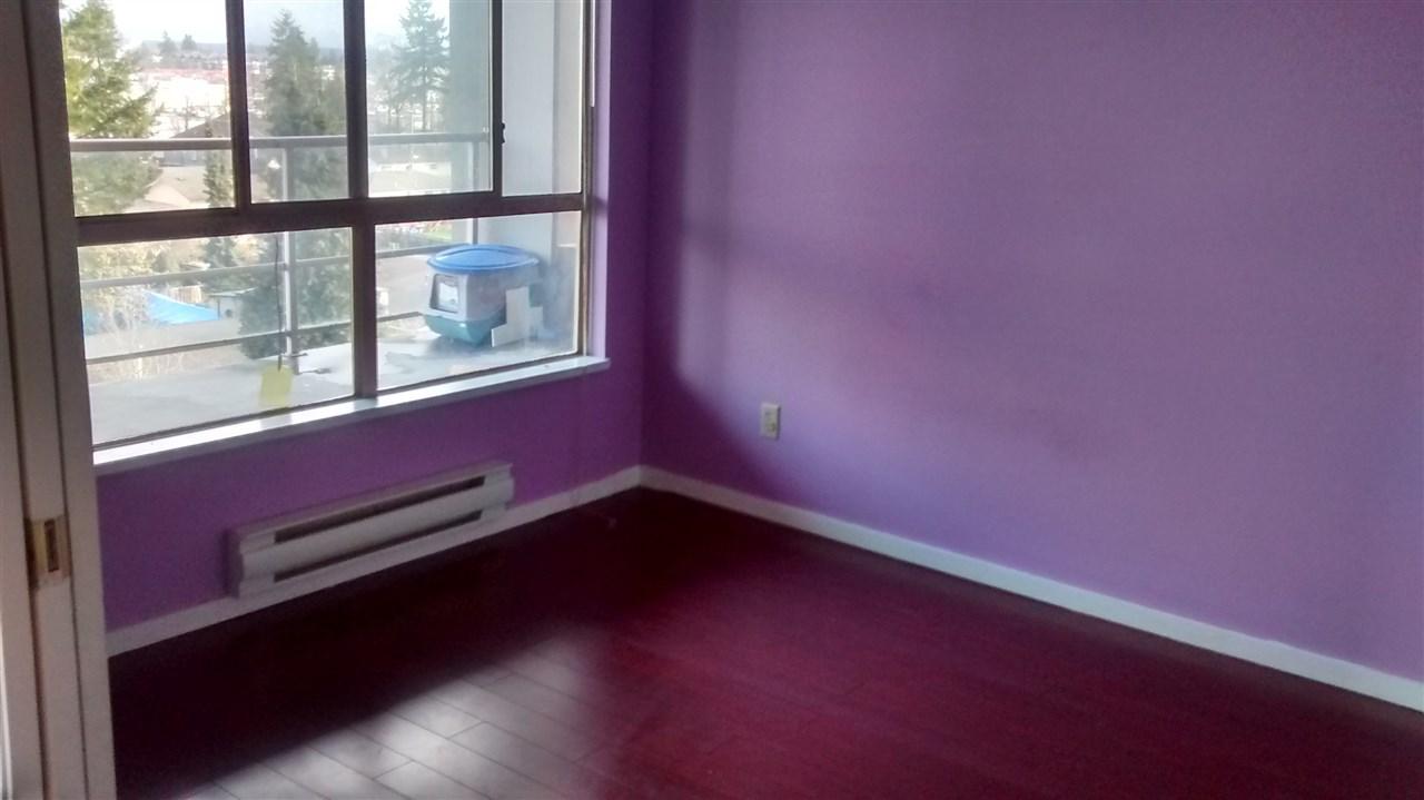 Condo Apartment at 702 14881 103A AVENUE, Unit 702, North Surrey, British Columbia. Image 8