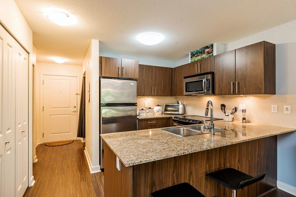 Condo Apartment at 117 8915 202 STREET, Unit 117, Langley, British Columbia. Image 5