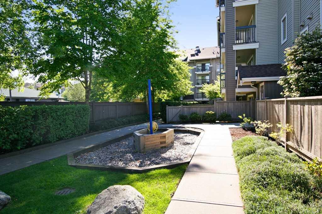 Condo Apartment at 117 8915 202 STREET, Unit 117, Langley, British Columbia. Image 14