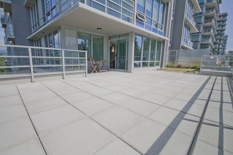 Condo Apartment at 302 9060 UNIVERSITY CRESCENT, Unit 302, Burnaby North, British Columbia. Image 3