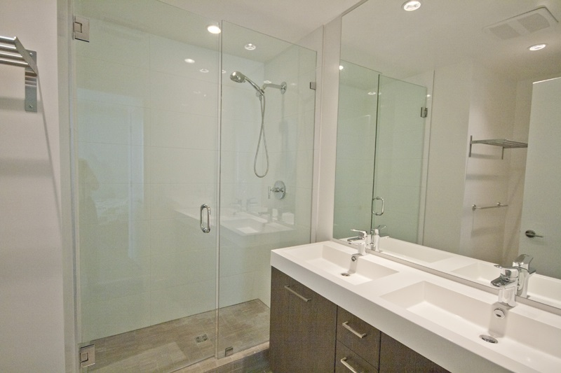 Condo Apartment at 302 9060 UNIVERSITY CRESCENT, Unit 302, Burnaby North, British Columbia. Image 12