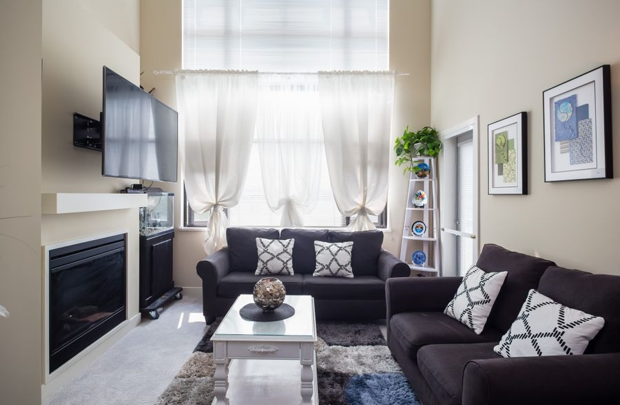 Condo Apartment at 425 10838 CITY PARKWAY, Unit 425, North Surrey, British Columbia. Image 1