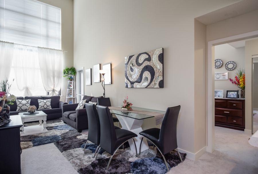 Condo Apartment at 425 10838 CITY PARKWAY, Unit 425, North Surrey, British Columbia. Image 5