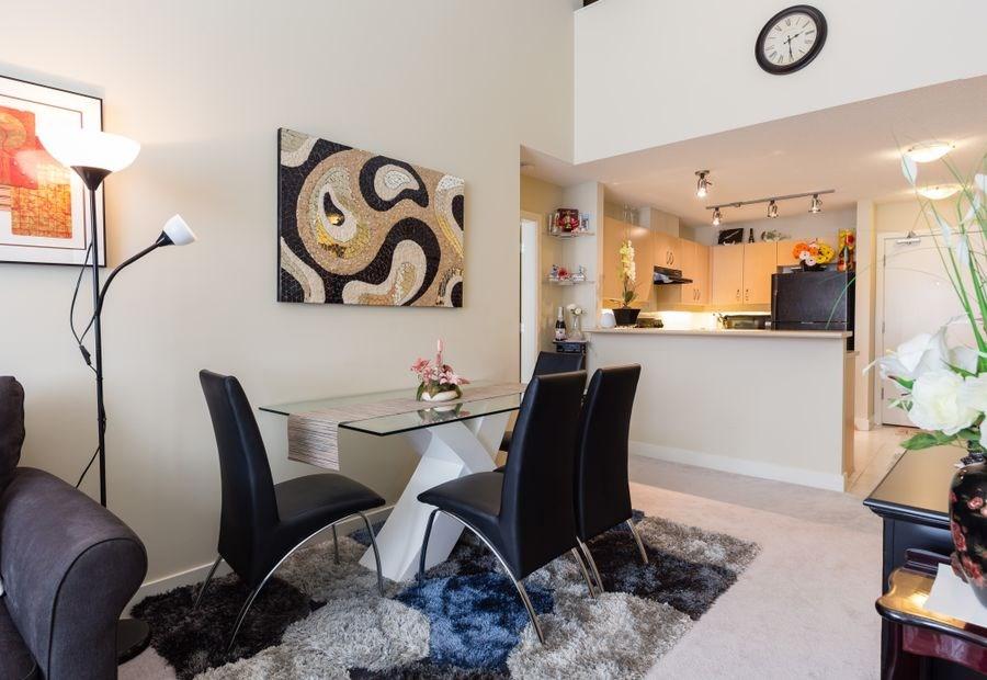 Condo Apartment at 425 10838 CITY PARKWAY, Unit 425, North Surrey, British Columbia. Image 7