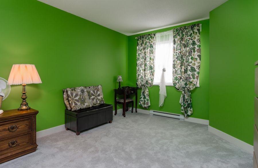 Condo Apartment at 425 10838 CITY PARKWAY, Unit 425, North Surrey, British Columbia. Image 13