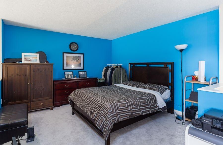Condo Apartment at 425 10838 CITY PARKWAY, Unit 425, North Surrey, British Columbia. Image 15