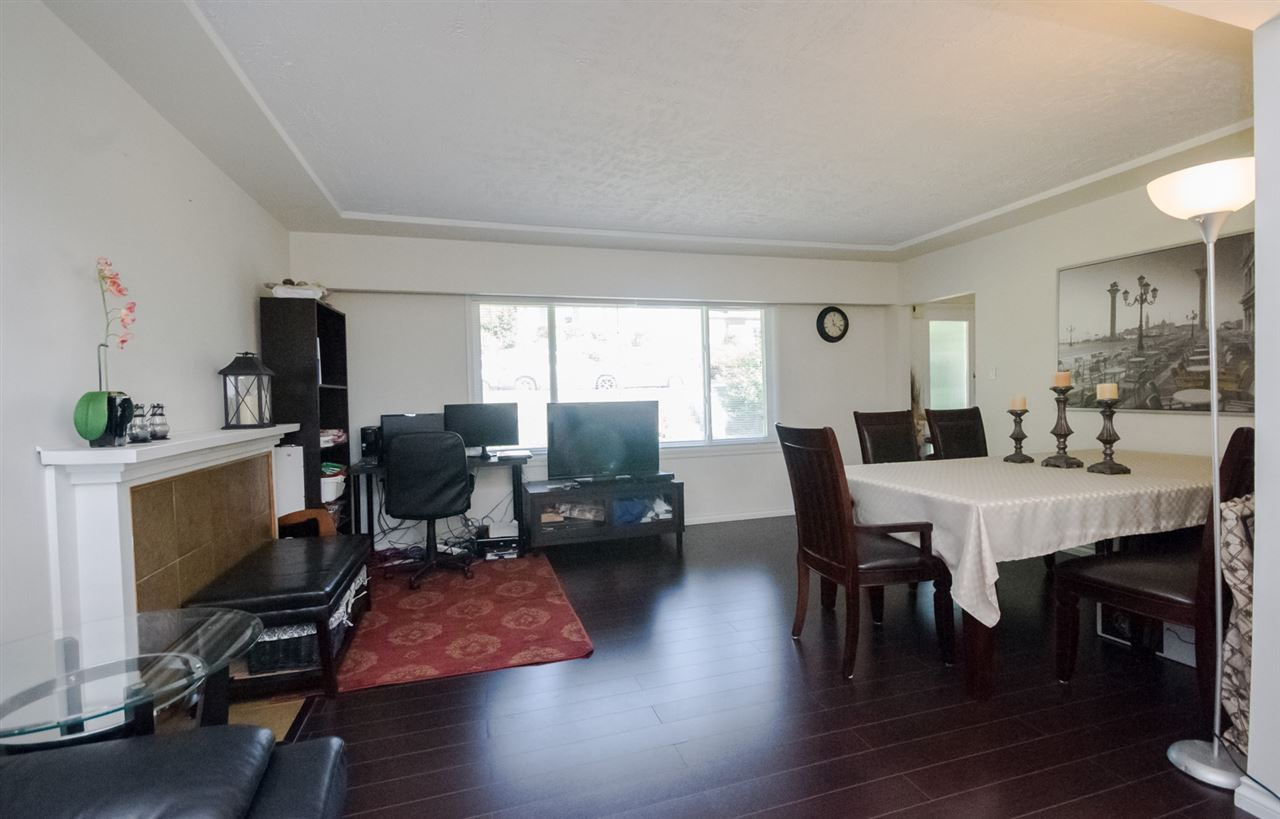 Detached at 5656 CARSON STREET, Burnaby South, British Columbia. Image 4