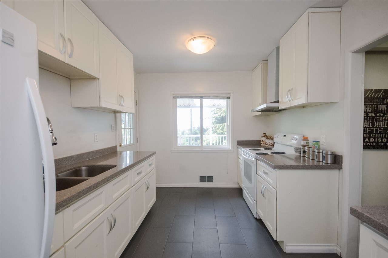 Detached at 5656 CARSON STREET, Burnaby South, British Columbia. Image 6