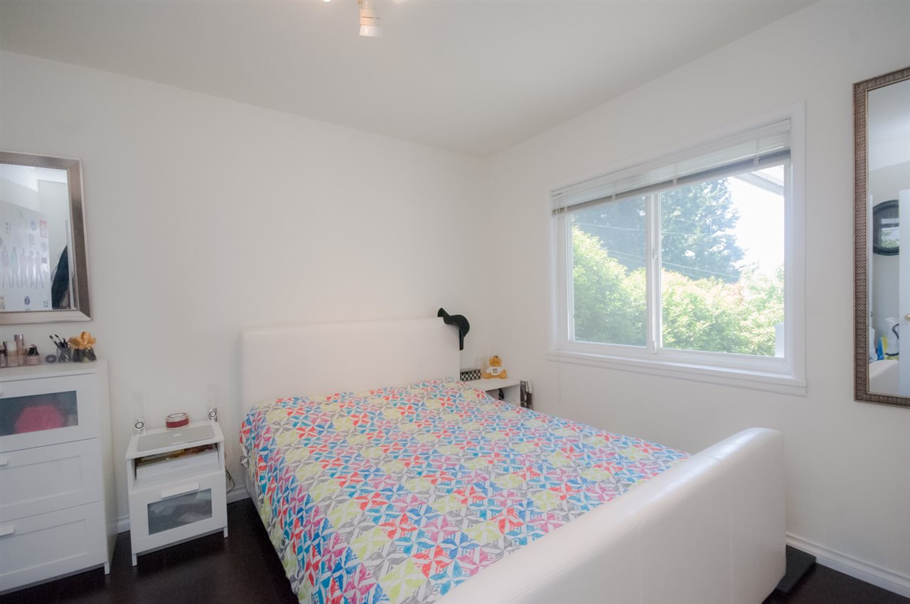 Detached at 5656 CARSON STREET, Burnaby South, British Columbia. Image 8