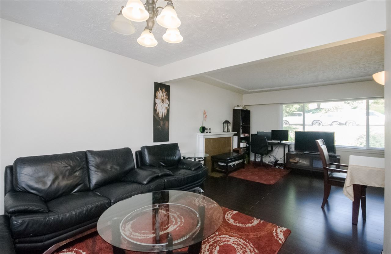 Detached at 5656 CARSON STREET, Burnaby South, British Columbia. Image 13