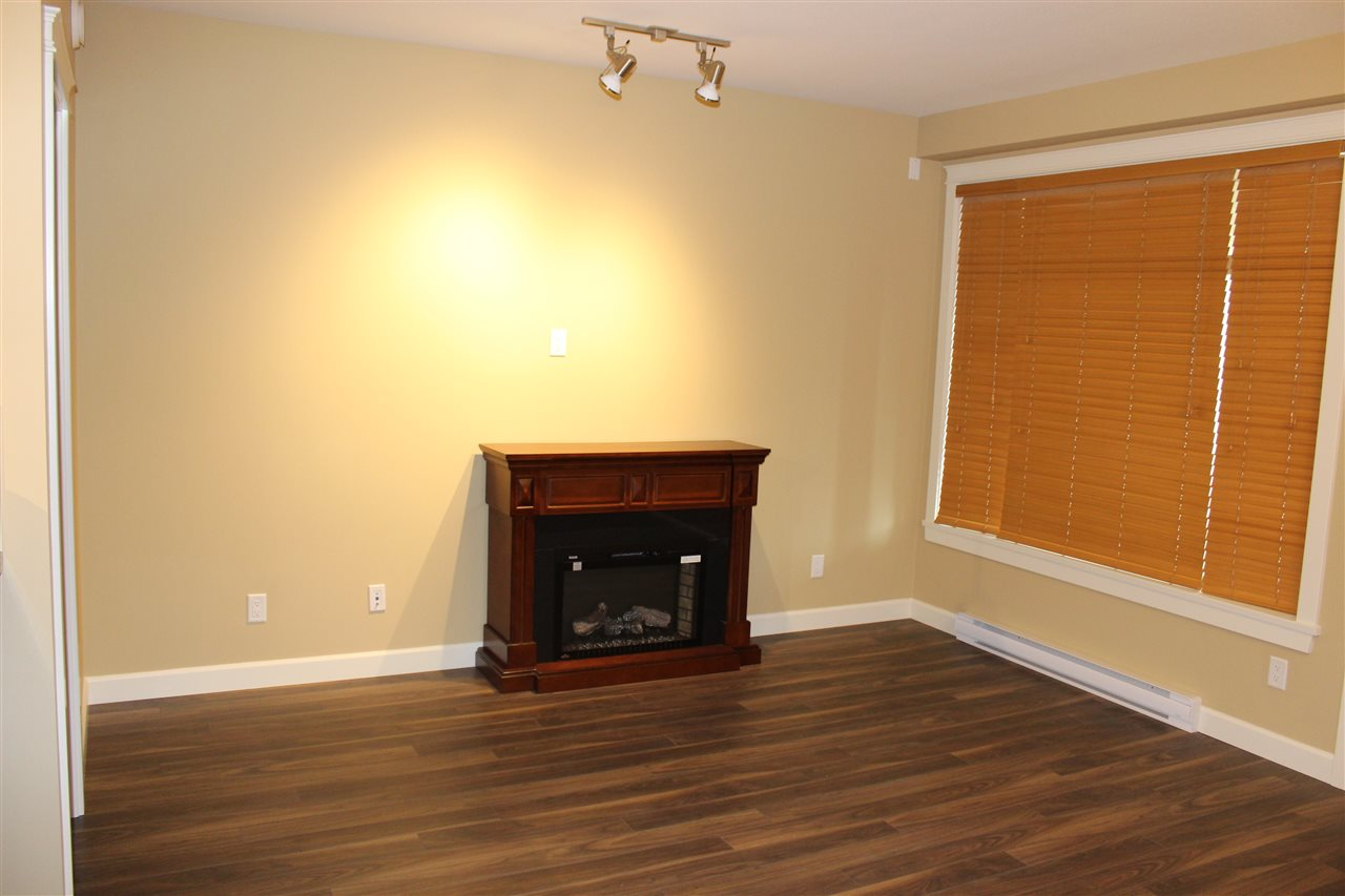 Condo Apartment at 232 2860 TRETHEWEY STREET, Unit 232, Abbotsford, British Columbia. Image 3