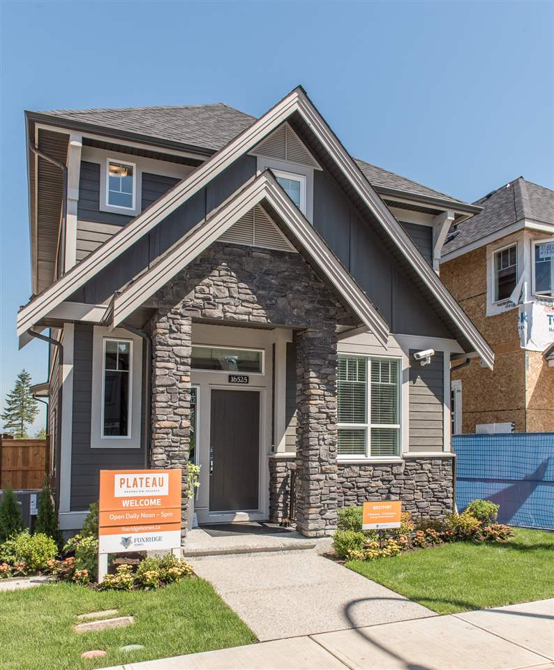 Detached at 16538 25A AVENUE, South Surrey White Rock, British Columbia. Image 1