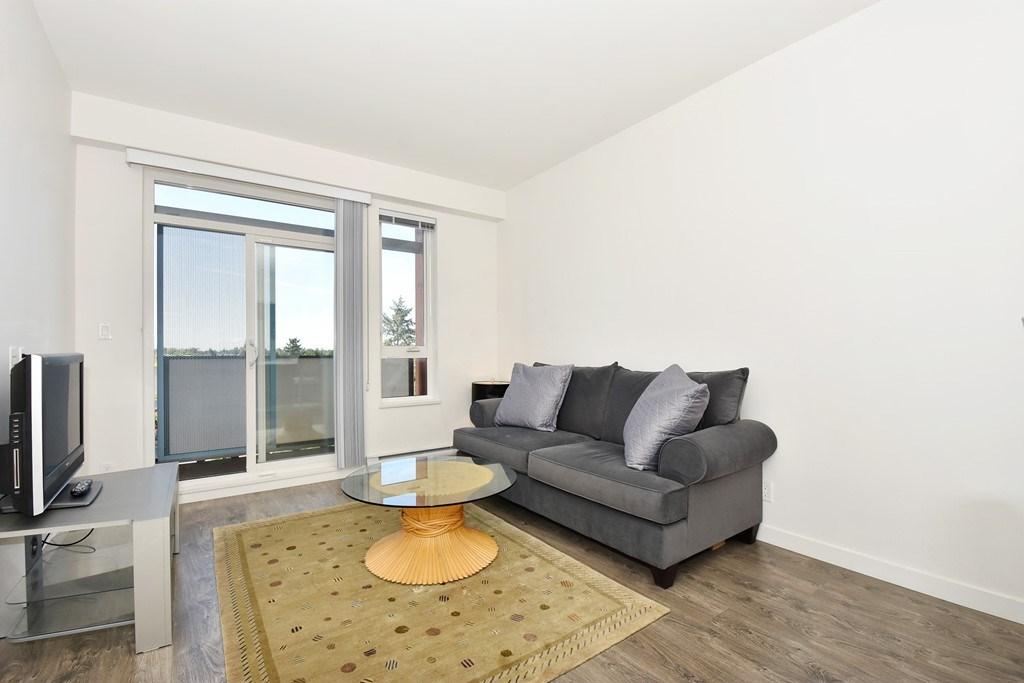 Condo Apartment at 428 10880 NO. 5 ROAD, Unit 428, Richmond, British Columbia. Image 3