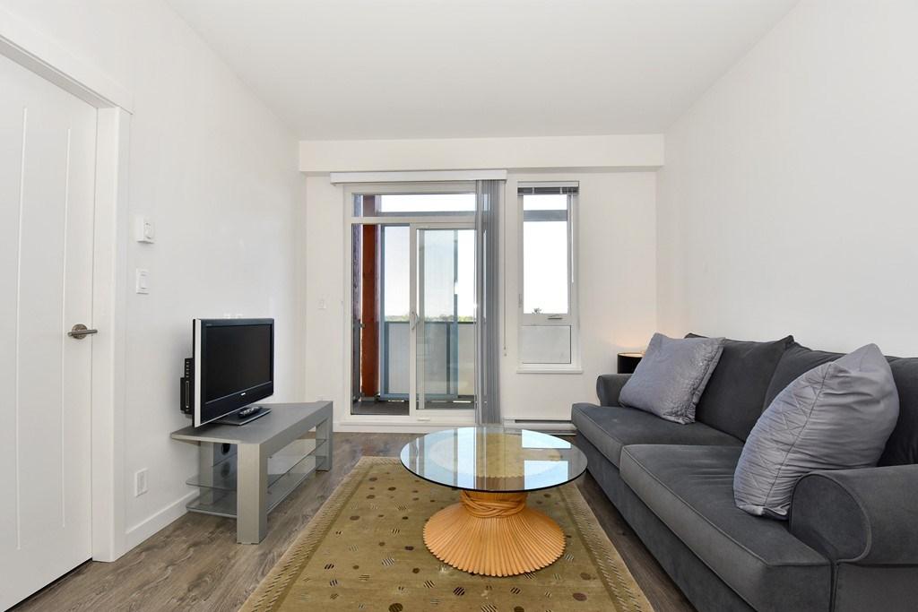 Condo Apartment at 428 10880 NO. 5 ROAD, Unit 428, Richmond, British Columbia. Image 4