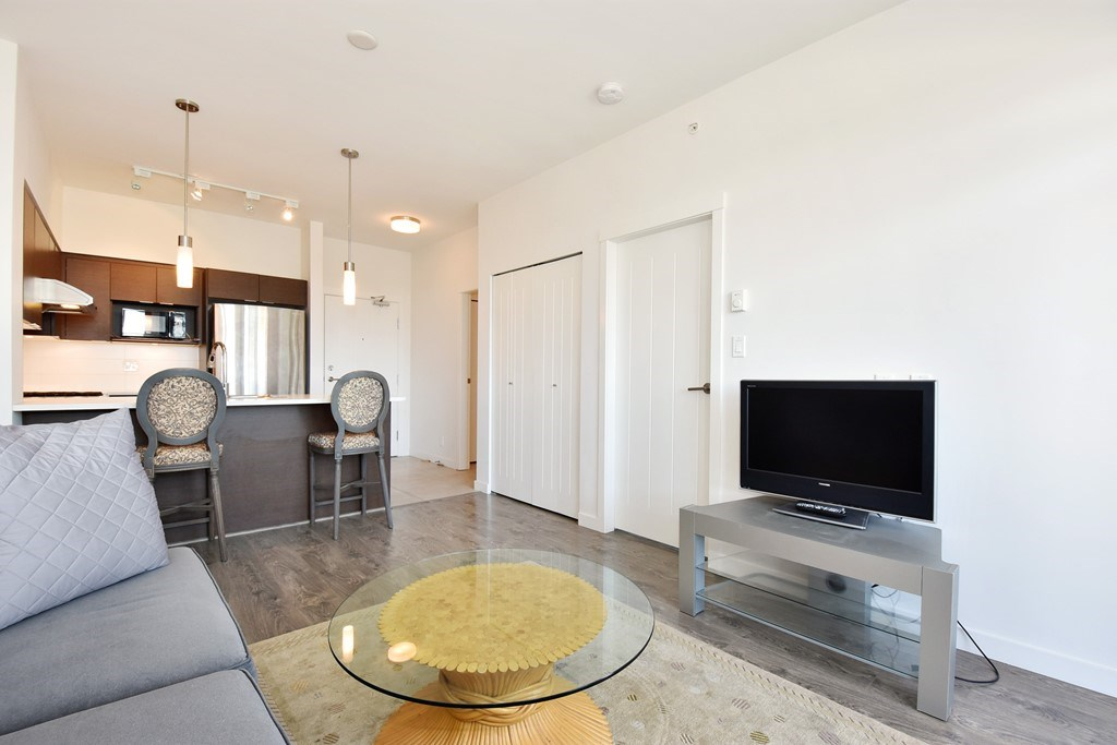 Condo Apartment at 428 10880 NO. 5 ROAD, Unit 428, Richmond, British Columbia. Image 6